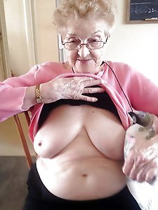 Outstanding older bitch demonstrating her tricks
