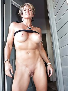 Libidinous mature whore exposing her sexy body on pictures
